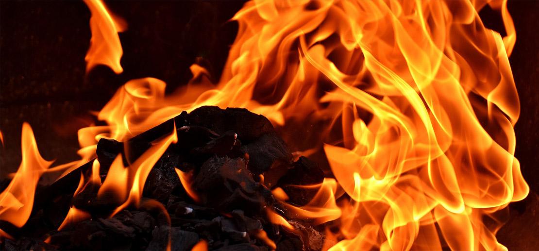 Que brûler dans mon poêle, ma cheminée?